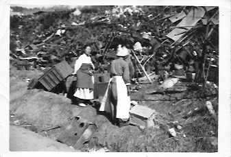 Koreans scavenging 1954 1
